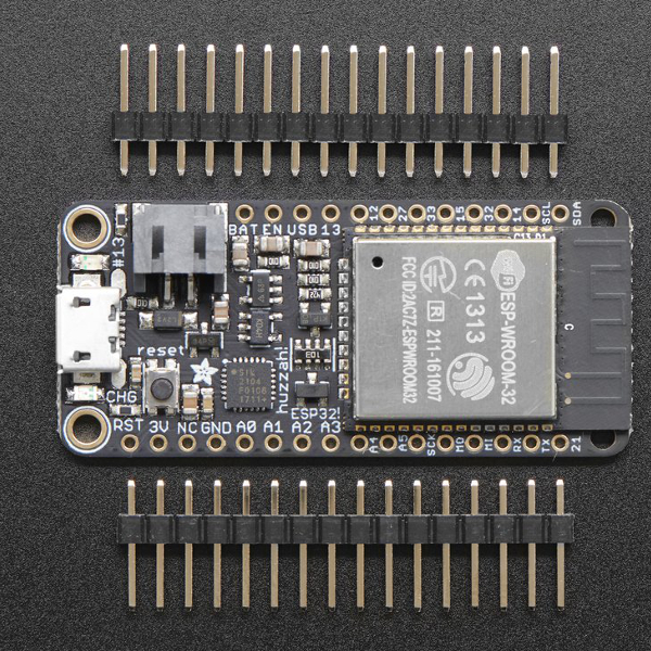Adafruit Feather HUZZAH32 ESP32 - Wi-Fi, Bluetooth, CP2104 USB-UART, зарядно за Li-Po